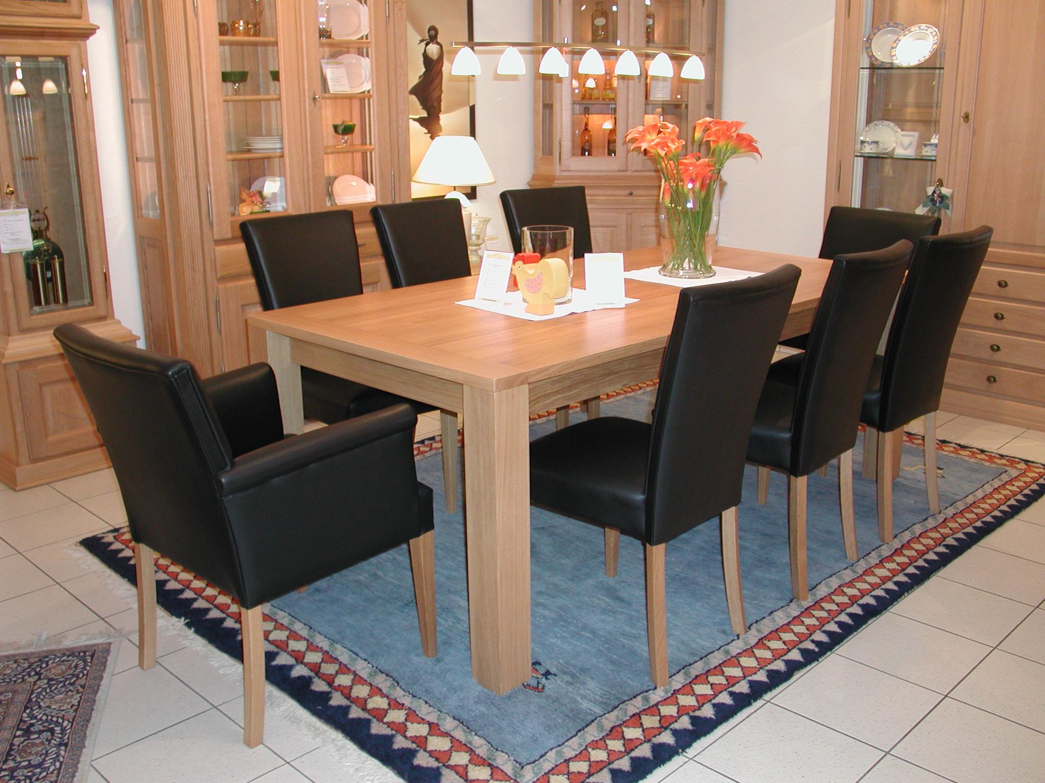ausstellung der gebr der vinkelau gmbh eichenm bel und. Black Bedroom Furniture Sets. Home Design Ideas