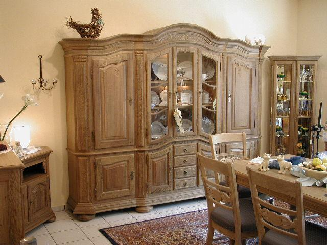 klassischer Bogenschrank / Massives Eichenmöbel