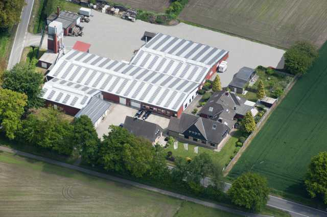 Luftbildaufnahme unserer Massivholzmöbel- und Eichenmöbel-Produktion in Legden