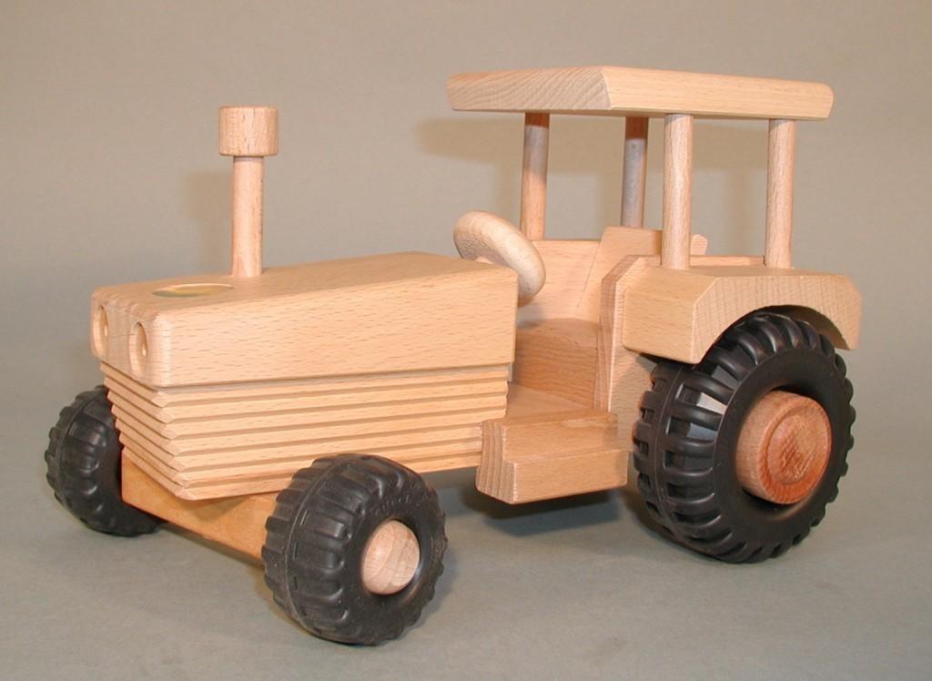 drewa traktor bulldog mit dach aus holz 08301 lenkbar ma e l 26 x h 17 5 x b 16 cm. Black Bedroom Furniture Sets. Home Design Ideas