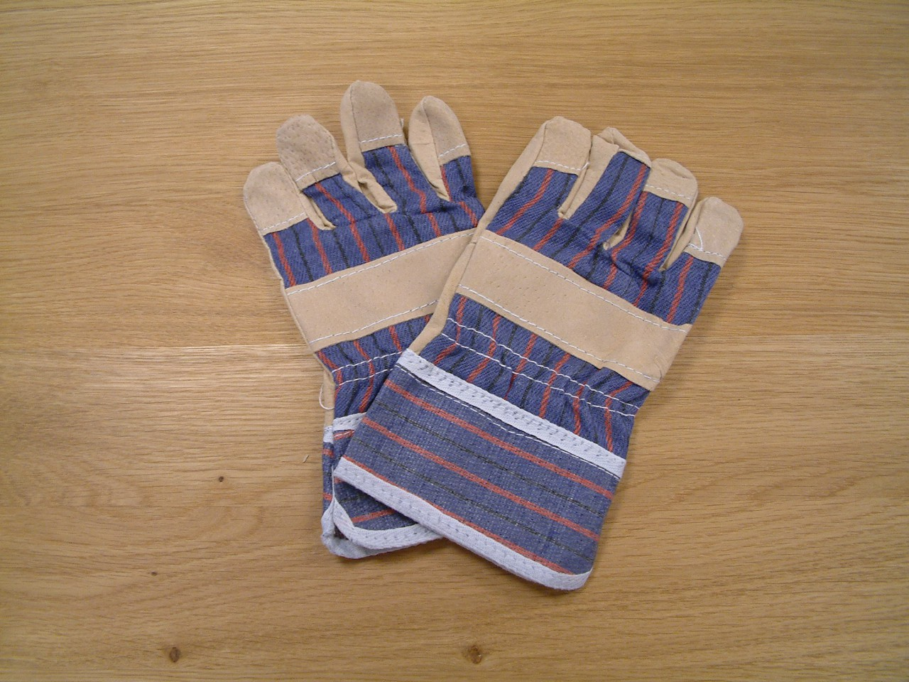 arbeitshandschuhe f r kinder 1 paar farbe blau beige gr e 7 5 ma eines handschuhs. Black Bedroom Furniture Sets. Home Design Ideas