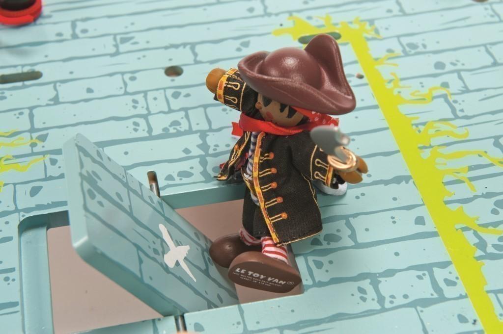 piraten fort anlegeplatz f r piratenschiffe festung mit gef ngnis kr hennest und vielem. Black Bedroom Furniture Sets. Home Design Ideas