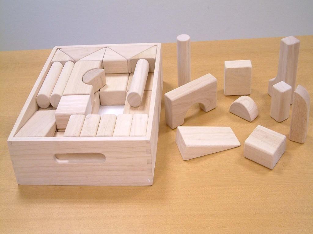 jumbo holz bauklotz set in holzkiste 40 teilig sch ne holzbaukl tze f r kinder bauen und spielen. Black Bedroom Furniture Sets. Home Design Ideas
