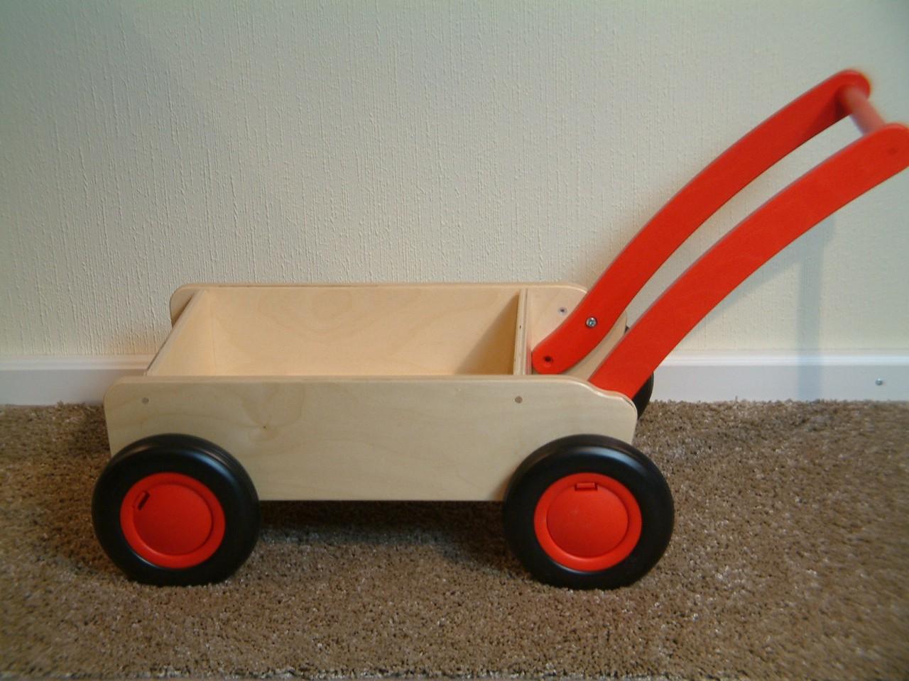 lauflernwagen lauflernhilfe material holz farbe natur rot ma e ca 55 x 30 x 50 cm. Black Bedroom Furniture Sets. Home Design Ideas